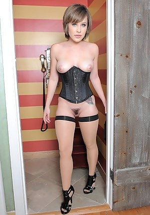 Young Corset Porn Pictures