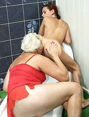 Young Lesbian Ass Licking Porn Pictures