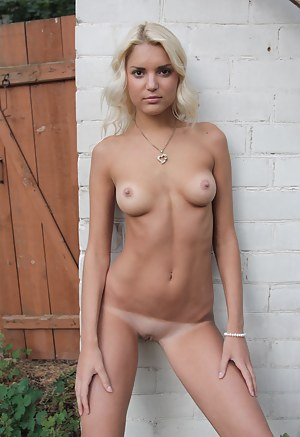 Tanned Young Porn Pictures