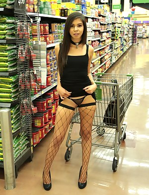 Young Fishnet Porn Pictures