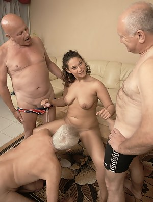 Young Foursome Porn Pictures
