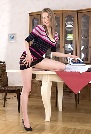 Young Housewife Porn Pictures