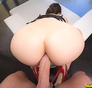 Young Big Ass Anal Porn Pictures
