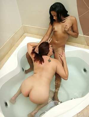 Young Lesbian Interracial Porn Pictures